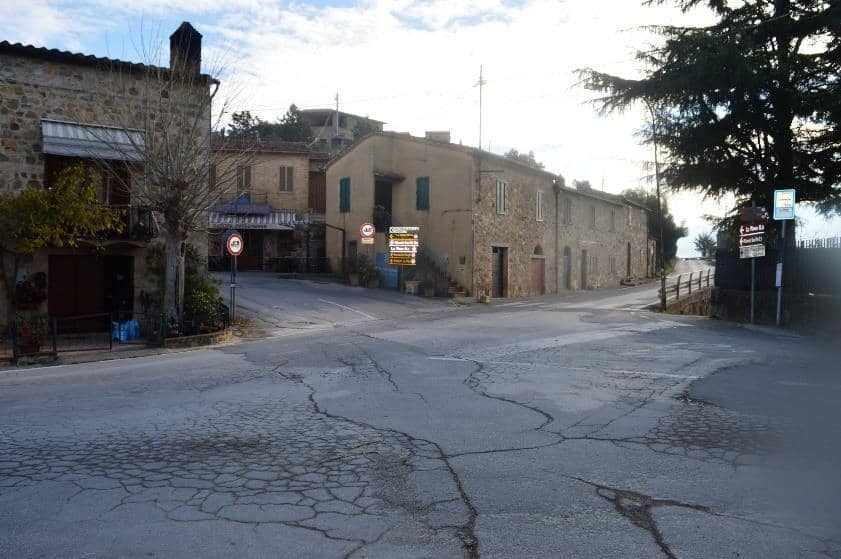 Winery in Montalcino Podere Le Ripi contacts and driving directions